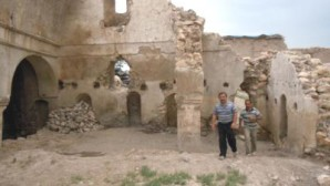 Tarihi Kilise'den 10 ton çöp çıkarıldı