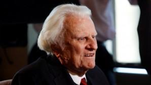 Billy Graham hastaneye kaldırıldı
