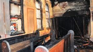Avusturya'da 3 kilise kundaklandı