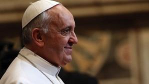 Papa Francis  Vatikan Bankası'na  El Attı