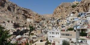 page_suriyede-tarihi-hristiyan-kasabasi-malulayi-ele-geciren-islamci-militanlar-12-rahibeyi-kacirdi_134315775