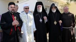 Kıbrıs'ta barışa kutsal destek