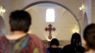 """IŞİD'in """"Ya Müslüman ol, ya terk et"""" açıklamasından sonra 340 Hristiyan aile Musul'u terk etti"""