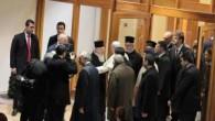 Türkiye Ermenileri Patriği II. Mesrob'u ziyaret ettikten sonra Türkiye'den ayrılan Papa'yı Patirk Bartholomeos yolcu etti