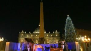 Aziz Petrus Meydanı'nda Noel hazırlıkları tamamlandı