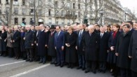 Paris'te 2 milyon kişi teröre ve ırkçılığa karşı yürüdü