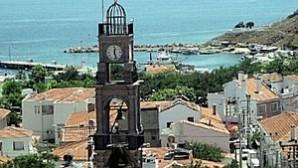 Çanakkale'de Valilik kilise çanını onardı