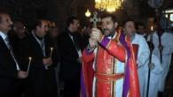 Özgecan Aslan için Diyarbakır'da kurulan taziyede Rahip Akbulut dua okudu