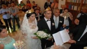 Aydın Didim'de tarihi kilisede Hristiyan düğünü