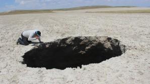 Konya'da 20 metrelik yeni obruk
