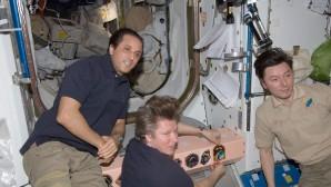Uzayda en uzun süre kalan Rus Dünya'ya döndü
