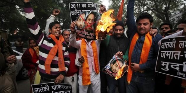 Hükümet Hindistanlı Rahiplere Zorluk Çıkartıyor