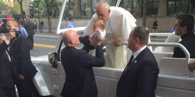 Papa'nın Öpücüğü Tümörü Küçülttü