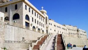 Tarihi Manastır Sığınak Oldu