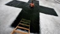Ortodokslar Buzlu Suda Epifani Bayramı'nı Kutladılar