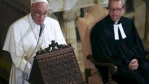 Papa Françesko Protestanlardan Bir Kez Daha Özür Diledi