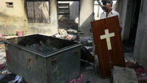 Protestan Kilise Yakıldı