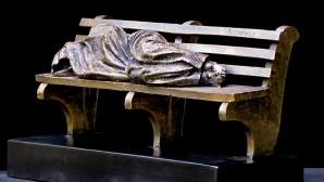 Evsiz İsa Heykeli Vatikan'a Getirildi