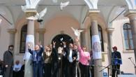 Menemen Rum Kilisesi'nde Barış Güvercinleri Uçuruldu