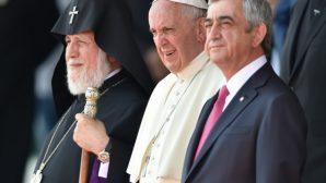 """Papa, Ermenistan'dan """"Barış"""" Çağrısıyla Döndü"""