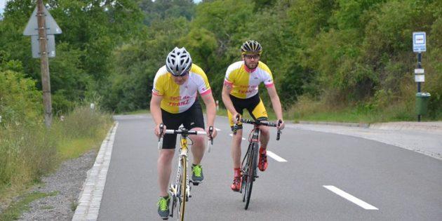 Papa'yla buluşmak için 1500 km bisiklet sürecekler