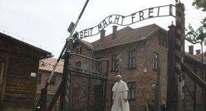 papa auschwitz toplama kampı