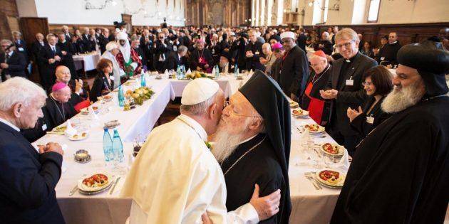 Dünya Dini Liderleri Assisi'de Bir Araya Geldi