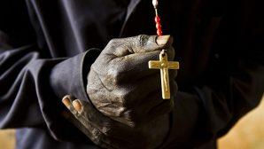 Kongo'da, Katolik Bir Rahip Evinde Öldürüldü