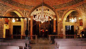 Diyarbakır Meryem Ana Süryani Kadim Kilisesi'nde Noel Buruk Kutlandı