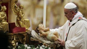 Vatikan'da Yapılan Noel Ayinine Binlerce Kişi Katıldı