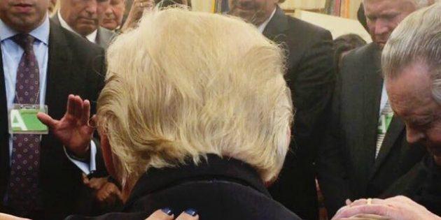 Evanjelik Din Adamları ABD Başkanı Trump'a Dua Ettiler