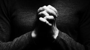 Kiliseye Saldırı İçin Geldi, Mesih'i Kabul Etti