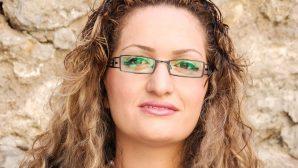 Hristiyan Olduğu İçin Tutuklanan Kadın Serbest Bırakıldı
