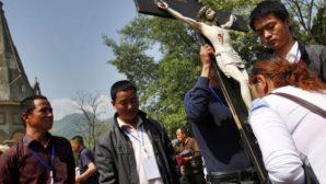 Tarihi Kiliseyi Yıkılmaktan Kurtaramadılar