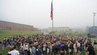 Bayrak Altında Tanrı'yı Yücelttiler