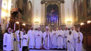 İzmir'de Katolik Cemaati Mesih İsa'nın Doğuşunu Kutladı