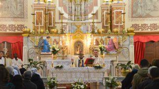 İzmir'de Günahsız Meryem Ana Bayramı Sevinci