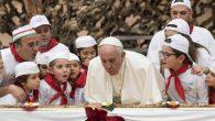 Papa 81. Yaş Gününü Çocuklarla Kutladı
