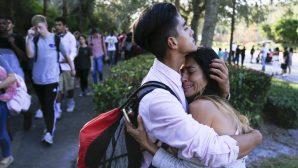 Amerika'da Liseye Yapılan Saldırıda Ölü Sayısı 17'ye Çıktı
