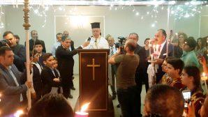 Paskalya Gecesi 'Mesih Dirildi' İlahileri Coşkuyla Söylendi
