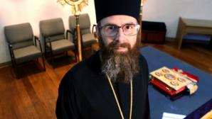 Ortodoks Rahip, 'Yüzüklerin Efendisi'' ve Kutsal Kitap Eğitim Serisi Hazırladı