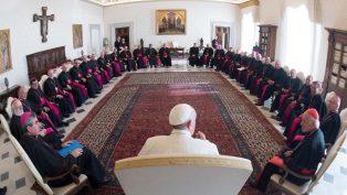 Şili Katolik Kilisesi'nden 34 İstifa