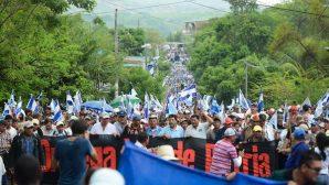 Nikaragua'da Yaralanan Göstericiler Kiliseye Sığındı!