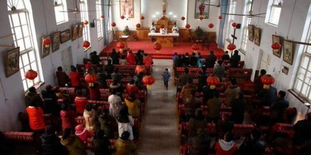 Hristiyan Çift, Hristiyanlıkla İlgili Broşürler Dağıtmaktan Tutukladı