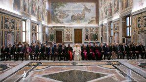 Papa'dan Temiz Enerjiye Geçiş Çağrısı