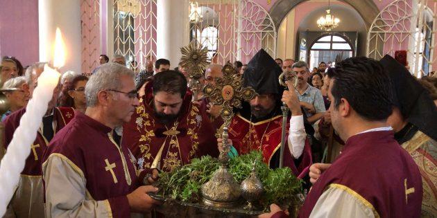 İstanbul'daki Ermeni Apostolik Kiliseleri'nde Kutsal Haç Bayramı Kutlandı