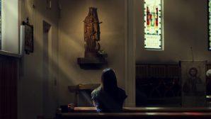 İnanç, Yalnız İnsanların Hayatlarındaki Anlamı Bulmalarında Yardımcı Oluyor