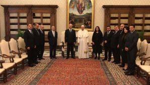 Papa Françesko Irak Cumhurbaşkanı'nı Makamında Ağırladı