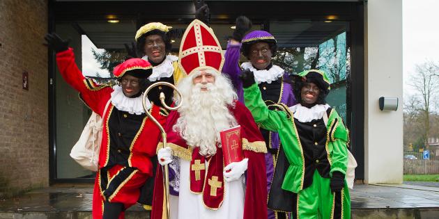 """Hollanda'da """"Aziz Nikolas"""" Festivalinde Irkçılık Protestosu"""
