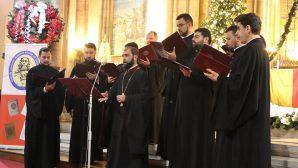 Tronos Korosu Aziz Antuan Kilisesi'nde İlahi Dinletisi Verdi